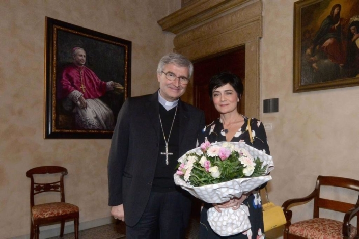 Sua Eminenza Pierantonio Tremolada e Cinzia